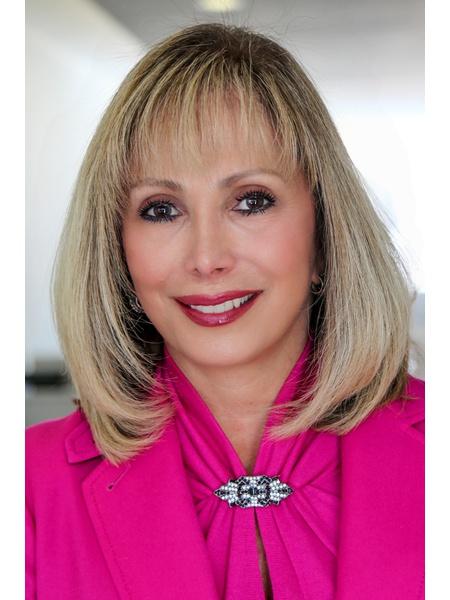 Lynne Gioe