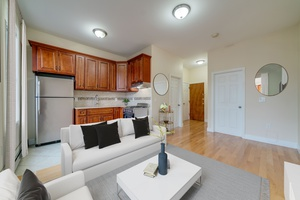 Newly Renovated 2 Bedroom Apartment on Summit Avenue in Jersey City Heights, No Brokers fees!