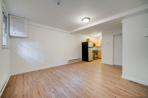 No Fee Studio Apartment located in Hoboken NJ!   Shared Backyard!  Laundry on Site!