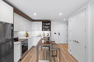 BRAND NEW, LUXURY 1 BEDROOM RENTAL AT THE ARCHES +NYC