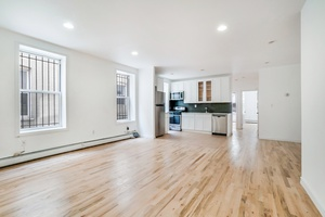 Newley Renovated 4 Bed/1.5 Bath in Crown Heights
