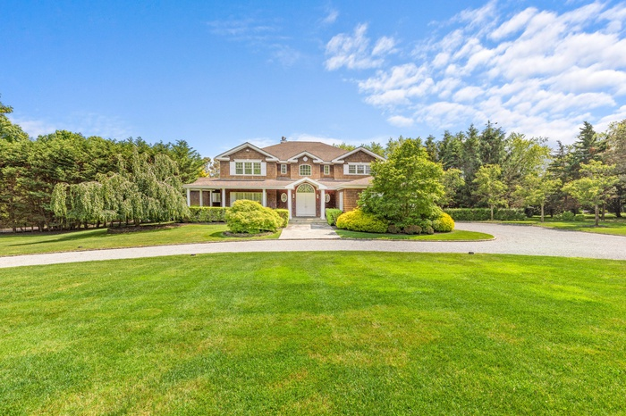 5 Bedroom South of Highway Home