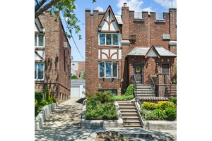 WONDERFUL BRICK HOME IN THE HEART OF DYKER HEIGHTS