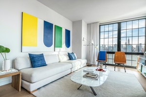 Large Bright High Floor Corner 2 bed/ 2 bath in Luxury Greenpoint Building, Double Exposure W/ Open Floor Plan & Breathtaking Water & Manhattan Views