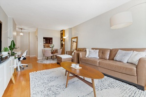 Large One-Bedroom in UES
