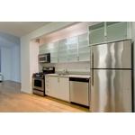 No Fee, Roomy Financial District Studio Apartment w/ Walk-in Closet