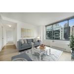 Beautiful Corner 2BR/2BA Apartment, no fee!