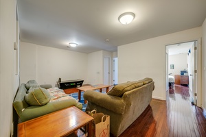 Sprawling 4 Bedroom 2 Bath Apartment located in the Heart of Midtown Hoboken!  Seconds to Stevens University, Washington Street Shops and Restaurants, Bus Outside your Door!  Central AC and Heating!