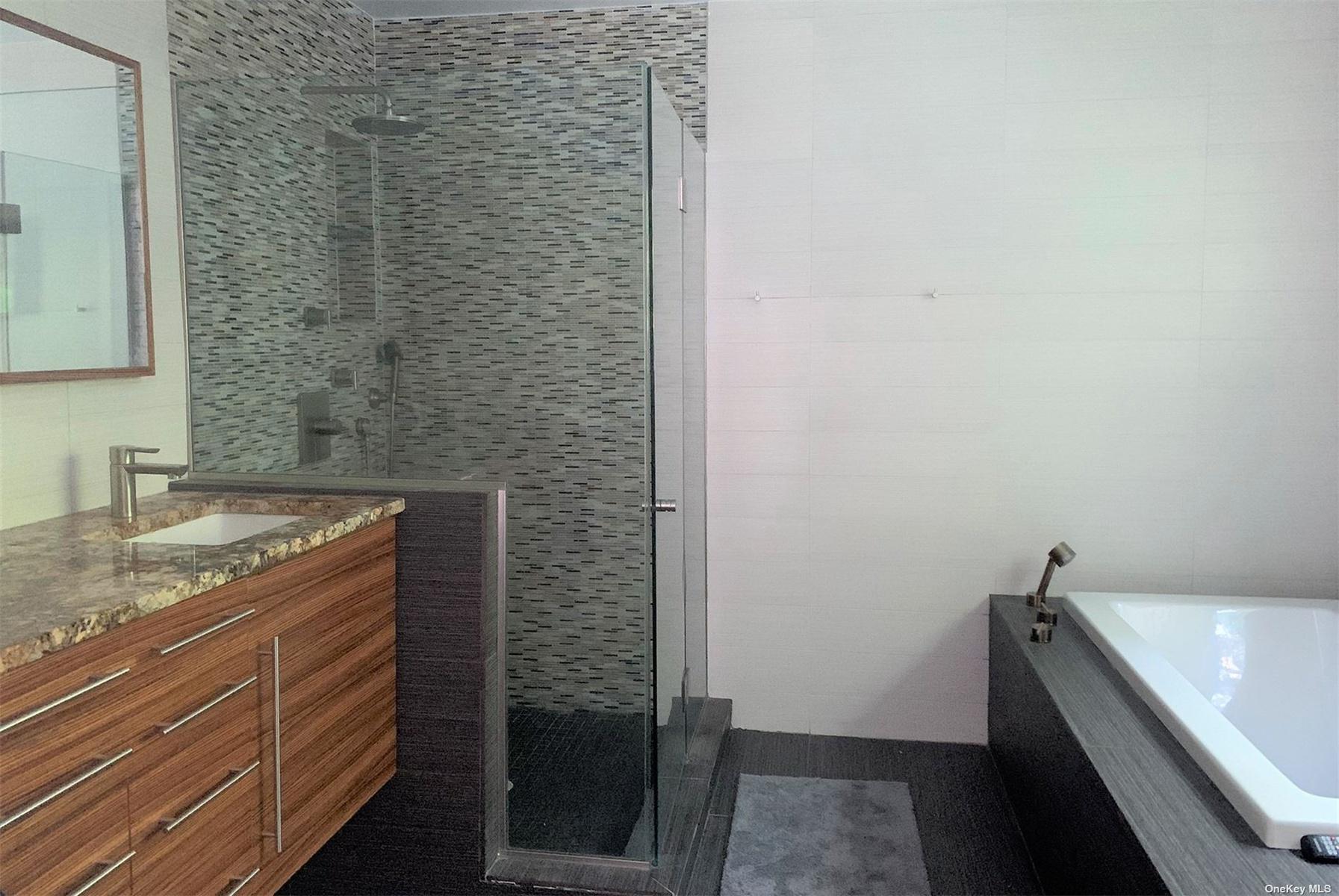 Mstr Bath