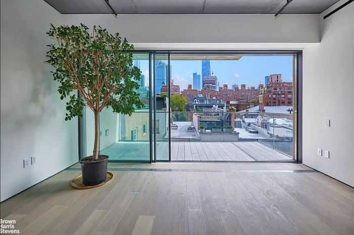 Resort-Like Condo Loft on the Highline with Huge Private Terrace