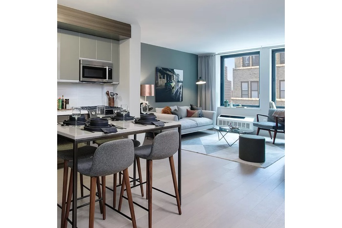 Luxury Chelsea 1 Bedroom + Den (2nd BR) with Tons of Light & Space