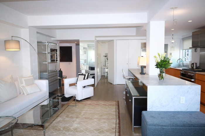 NO FEE! Modern and Sun-Filled UES 2 Bed 2 Bath right on Central Park