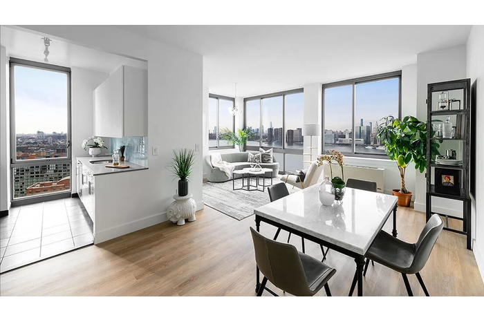 Modern Duplex Penthouse in Full Service Long Island City Waterfront Building
