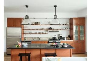 Dumbo 2BD/2BA with Great Light, Juliette Balcony, Breakfast Bar, Stainless Steel Appliances