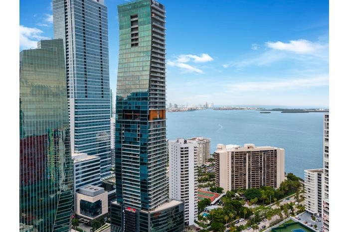 Miami Brickell Luxury Condo  Resort Style Residence
