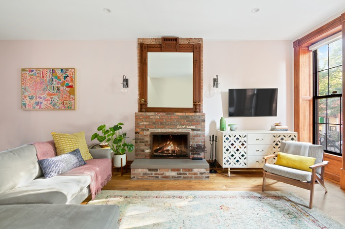 Pristine, Renovated Bed-Stuy Townhouse