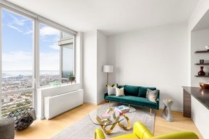 Stunning Views in Penthouse 2 Bed in Downtown Brooklyn
