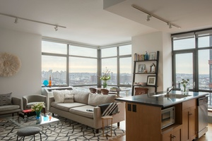 Spacious Duplex 2 Bedroom Pent House with Private Roof Deck in Downtown Brooklyn