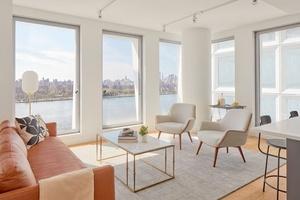 Gorgeous Corner 2 Bedroom**Spacious Living Area**Floor to Ceiling Windows*Williamsburg