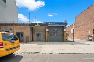 Astoria/LIC: Fully Equipped Auto Repair Shop for Lease - Industrial