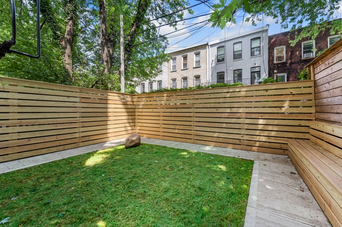 Massive 2 bedroom duplex unit with private outdoor space