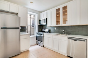Renovated 4 Bed / 1.5 Bath Apt with Washer Dryer in Crown Heights