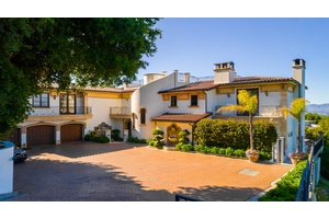 Magnificent Mediterranean Villa on Mulholland Drive