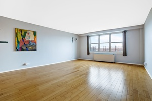 Spacious Brooklyn 1 Bedroom at Caton Towers in Kensington