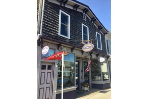 High Traffic Artist Gallery in center of Greenport