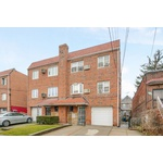 Multi-Family Home 8 BDRM/3 Baths With Private Driveway And Parking Garage In Prime Elmhurst Location