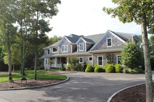QUOGUE DESIGN AND STYLE