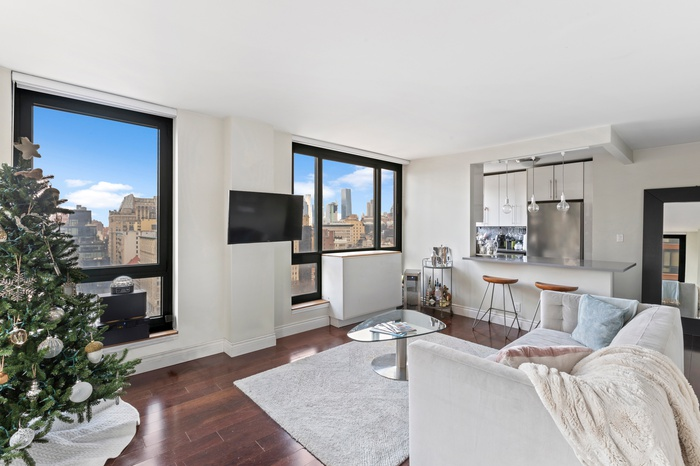 NO FEE! Renovated 1 Bed 1 Bath at 1 Irving Place | Union Square