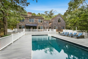 Beautifully renovated home in Wainscott. Don't miss this out!