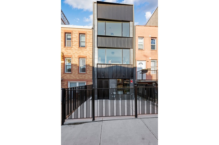 Spacious Modern Townhouse With Private Rooftop Views in Park Slope!
