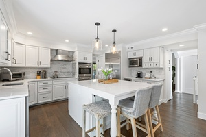 Masterfully rebuilt in 2019, model-perfect home in Jericho
