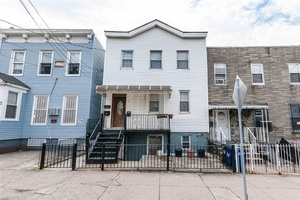 Jersey City Heights three Bedroom 2 bath with Backyard for rent!