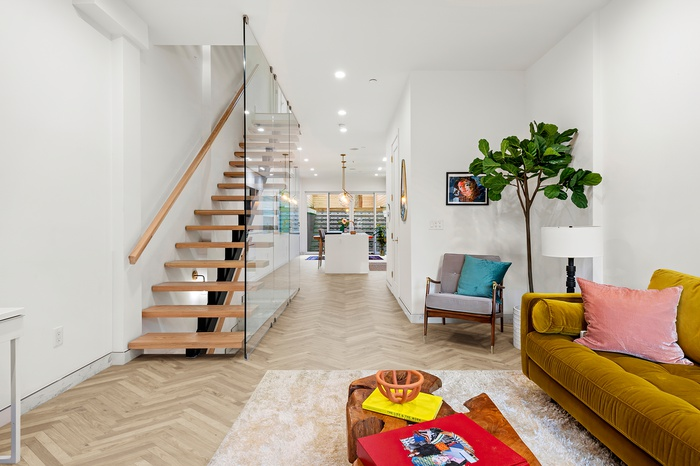 Spectacular Modern Townhouse With Rooftop Views in Greenwood!
