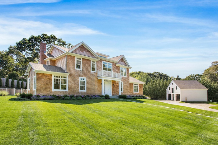 Brand New Luxury Estate House on Fringe of Southampton Village