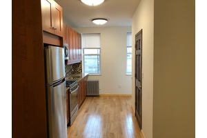 Stunning 1 Bedroom Apartment on Trendy Franklin Street, Greenpoint Waterfront!!