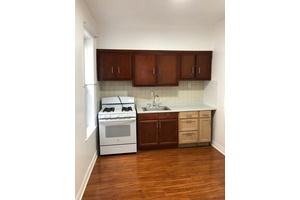 1 Bedroom Apartment in Prime Sunnyside!! 3 Blocks from 7 Train!