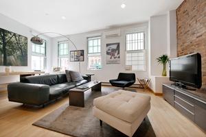 Designer Soho Duplex Loft, 1 Bed plus Home office and 2 Baths