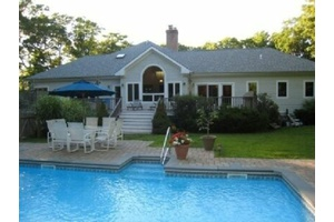 Sag Harbor 6 Bedroom With Heated Pool