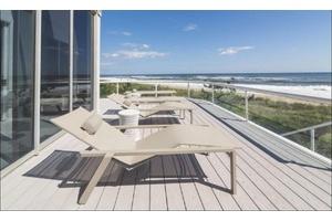 Modern Oceanfront Home in Amagansett