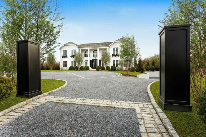 Magnificent Pond Front Estate in Southampton