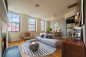 Stunning 1BR Duplex Soho-Style Loft with Private Roofdeck Terrace located in the heart of Downtown Hoboken!  Studio - 3 Bedroom Homes!  No Broker Fees! Close to Washington Street, Hoboken Path and Lightrail!