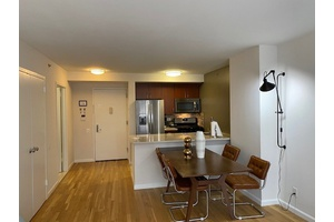 RENTAL W 21 ST BETWEEN 6TH & 7TH AVE ONE MONTH FREE NO BROKER FEE CHELSEA MIDTOWN MADISON SQUARE GARDEN