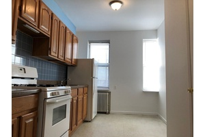 GREAT GREENPOINT 1 BEDROOM AMAZING LOCATION BY WATERFRONT
