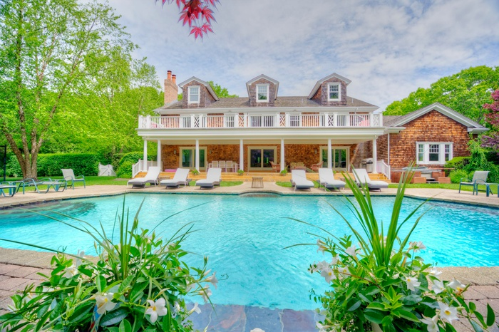 Best Value, Incredible Estate in Watermill.