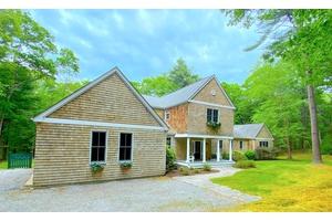Renovated East Hampton Designer Home