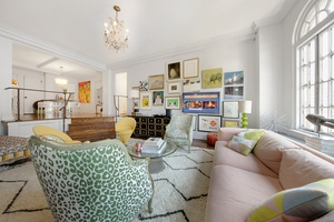 ICONIC GREENWICH VILLAGE 2 BEDROOM AND 1.5 BATHROOMS CO-OP WITH WASHINGTON SQUARE AND UNION SQUARE PARKS AS YOUR NEIGHBORS